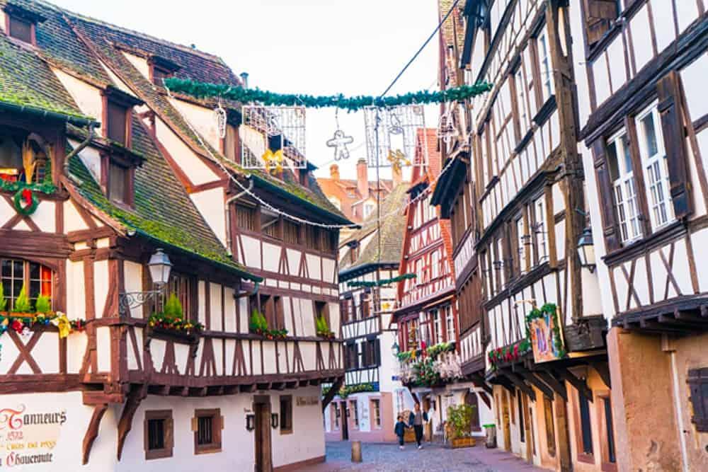 Sau intalni? i fetele din Strasbourg